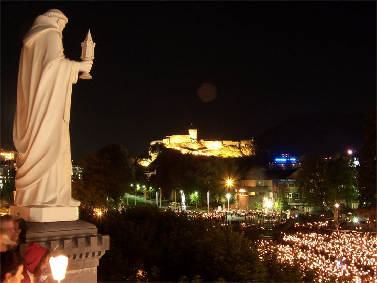 Lourdes at night