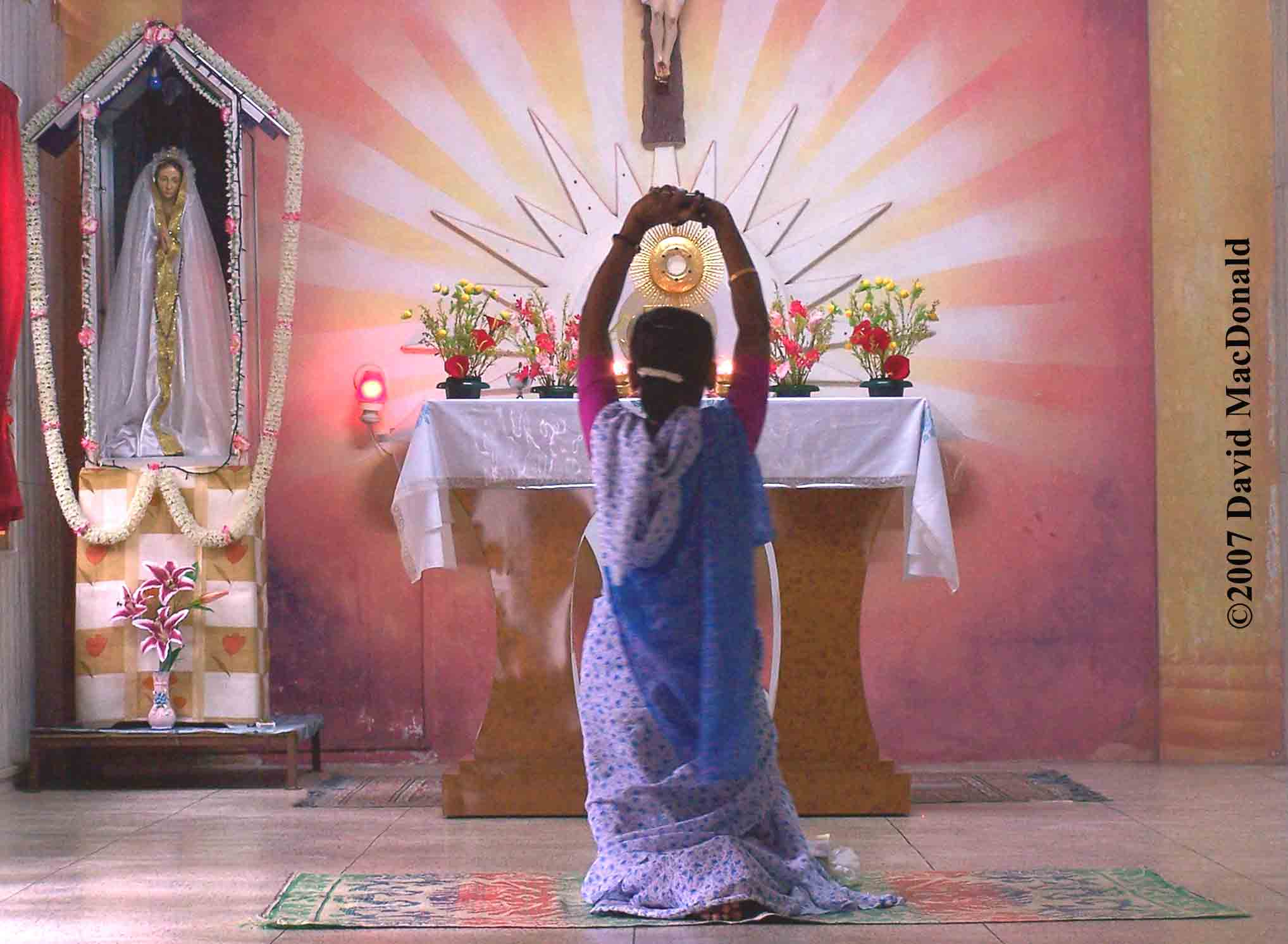 India woman praying